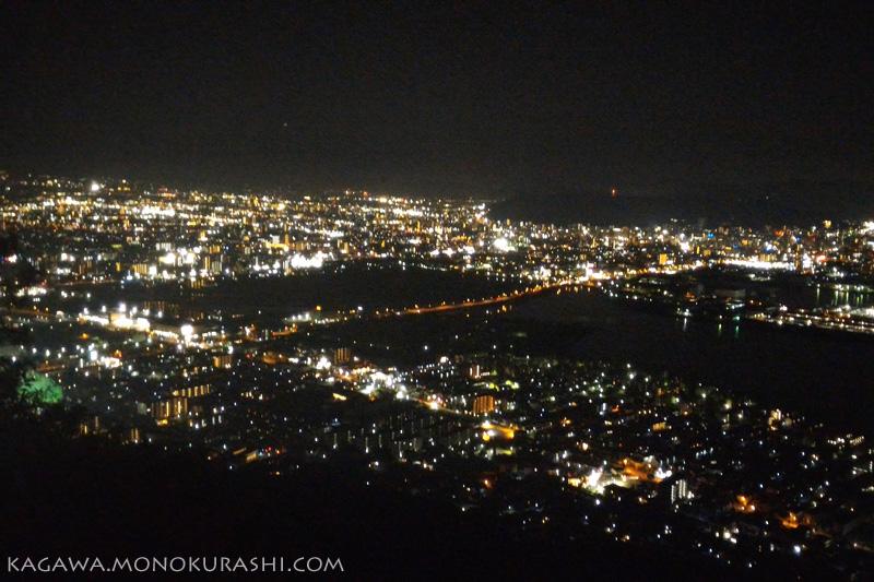 屋島山上、れいがん茶屋からの夜景
